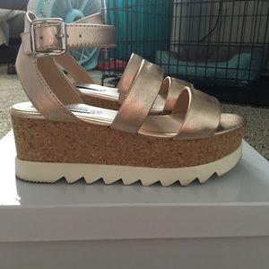 514b8a4b47d2 Steve Madden Shoes - Steve Madden Kirsten rose gold platform sandals